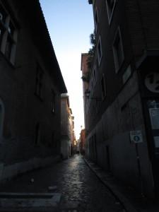 På väg genom Trastevere på morgonen.