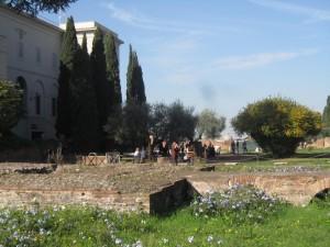 Augustus hus. Med blommor