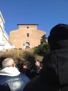 Capitolium avstängt. Byggnaden i mitten är S. Maria in Aracoeli.